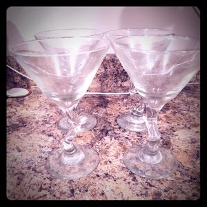 Other - ❤️4 for $20 ❤️ Set of 4 martini glasses